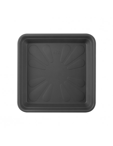 universal saucer square